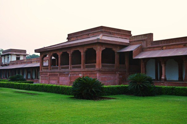 Image result for fatehpur sikri diwan i aam