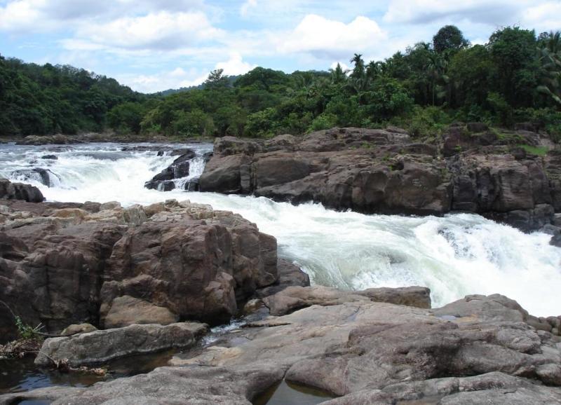 Perunthenaruvi Falls, Kerala
