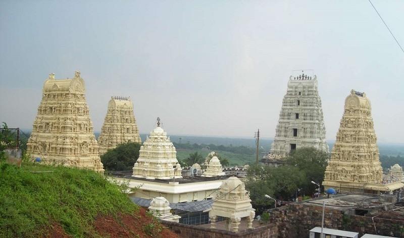 Sri Venkateshwara Swamy Temple Dwaraka Tirumala Rajahmundry