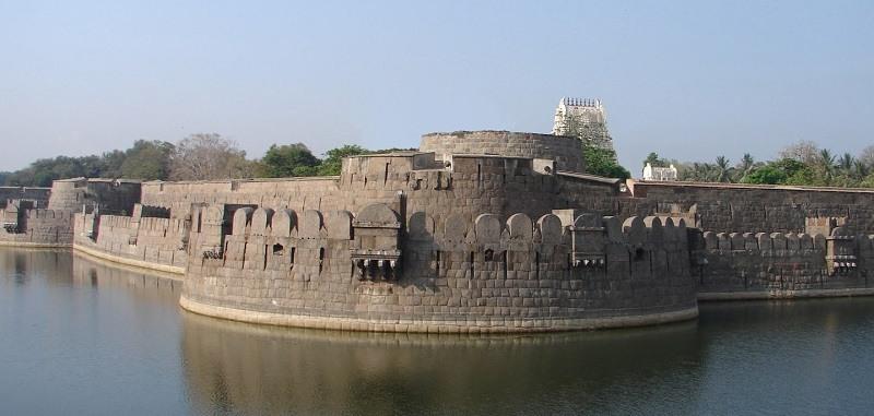 15 Best Heritage Sites in Tamilnadu | Tamilnadu Historical Places (2019)