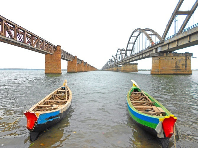 Hyderabad Tour Packages From Bangalore