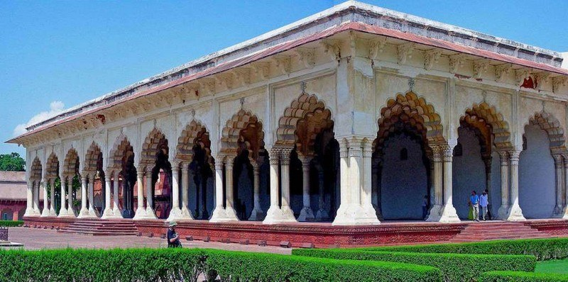 Agra taj mahal top tourist places to visit tour packages for Diwan i aam images