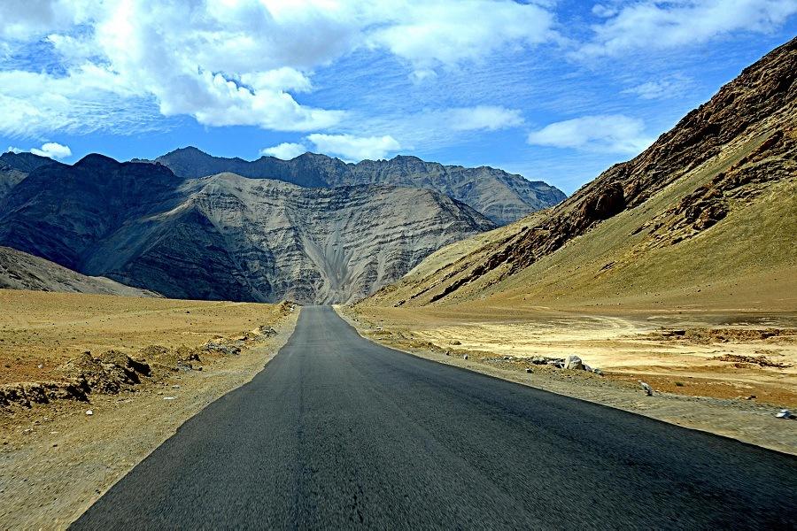 Magnetic_Hill_Ladakh