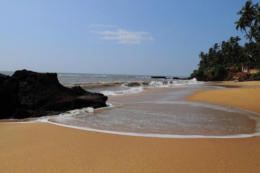 KIzhunna Ezhara Beach